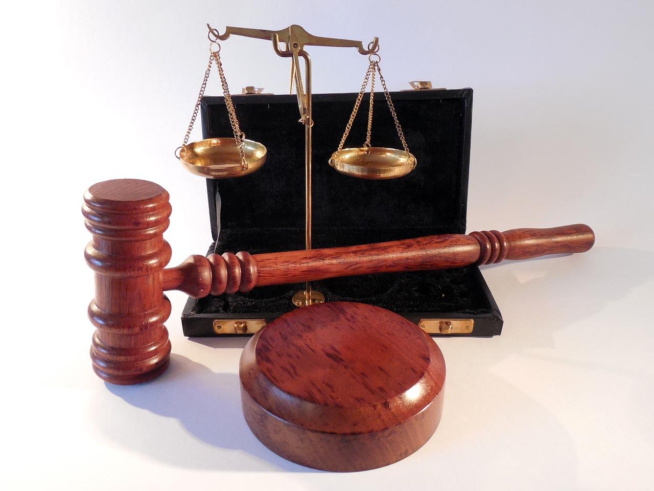 Jak mądrze wybrać adwokata, aby przeprowadzić rozwód po naszej myśli?