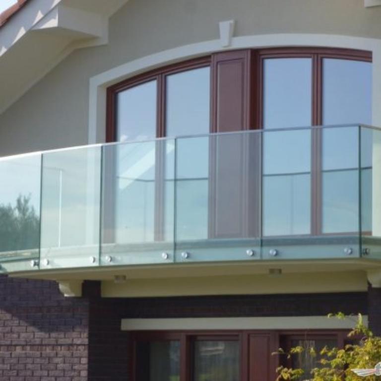 Jak stworzyć przestrzeń domu z wykorzystaniem schodów?